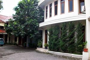 Hotel Pilatus Bandung - Tampilan Luar