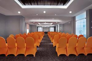 Harper MT Haryono - Ruang Rapat