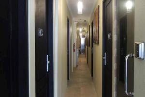 Twins Hotel Mangga Dua - Corridor