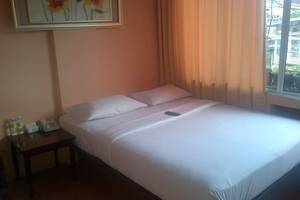 Twins Hotel Mangga Dua - Kamar Double