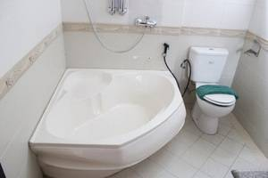 Twins Hotel Mangga Dua - Bath Tube