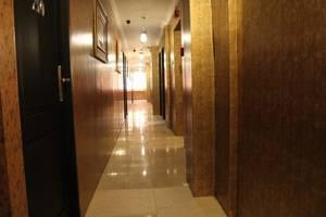 Twins Hotel Mangga Dua - Koridor