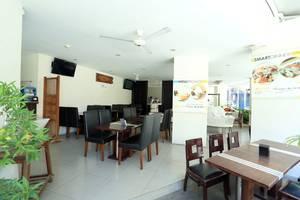 RedDoorz @Istana Kuta Galeria Bali - Interior