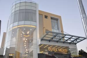Hotel Mersi Padang - Eksterior