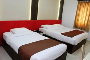 Dinasty Hotel Solo - Junior Suite Room