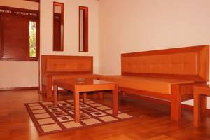 The Cipaku Garden Hotel Bandung - Living Room Grand Deluxe