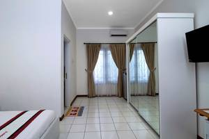 RedDoorz @Tendean Jakarta - kamar Tamu