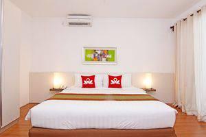 ZEN Villa Umalas Kerobokan - Tampak tempat tidur double