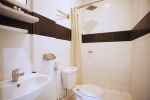 Hotel Candi Medan - Bathroom