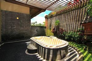 Natura Resort and Spa Bali - Bathtub
