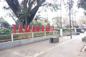 Karmila Hotel Bandung - Surroundings