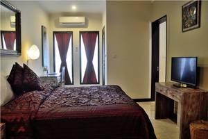 Peneeda View Beach Hotel Bali - family
