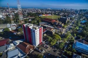 Red Planet Makassar - Exterior