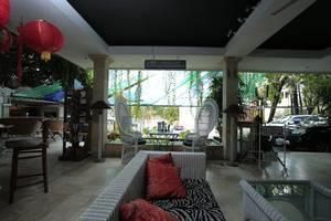 RedDoorz near Petitenget Beach Bali - Interior
