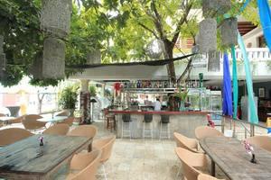 RedDoorz near Petitenget Beach Bali - Eksterior