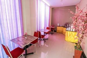NIDA Rooms Grand Ance Makassar - Restoran