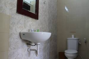 Alam Hotel Bali - Kamar Mandi Standars