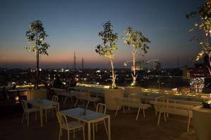 Gajahmada Avara Hotel Pontianak - Pub