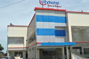 City Hotel Kendari Kendari - Facade