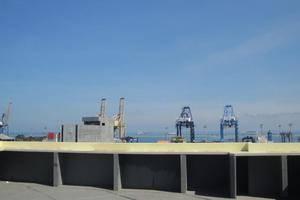 Hotel Agung Makassar - Pelabuhan Kayu Bangkoa
