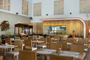 HARRIS Hotel Raya Kuta Bali - HARRIS Cafe