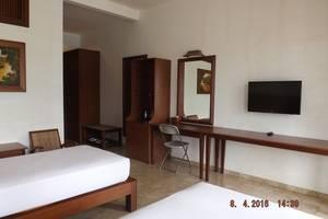 Jimmers Mountain Resort Bogor - Executive Twin