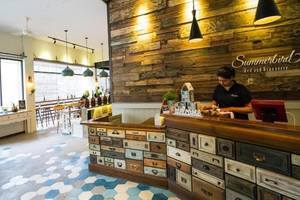 Summerbird Bed and Brasserie Bandung - Resepsionis