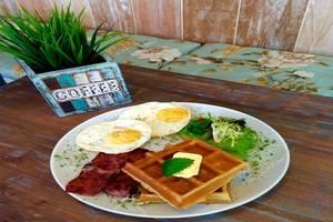 Summerbird Bed and Brasserie Bandung - Makanan