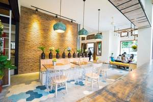 Summerbird Bed and Brasserie Bandung - Lobi