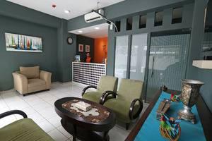Fastrooms Bekasi Bekasi - Resepsionir