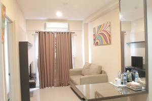 Fastrooms Bekasi - executive living room
