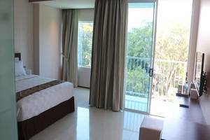Premium Legian Hotel Bali - Kamar tamu