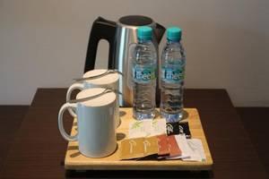 Premium Legian Hotel Bali - Pembuat kopi dan teh