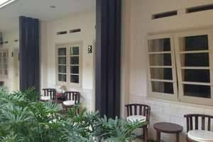 Srikandi Guest House Malang - Teras