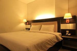 Hotel Zahra Kendari - Kamar tamu