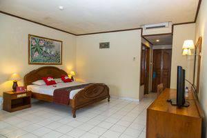 ZenRooms Jimbaran Pantai Kedonganan Bali - Tempat Tidur Double