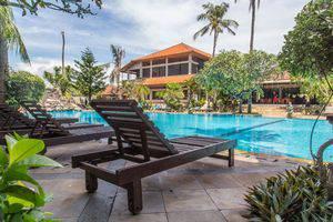 ZenRooms Jimbaran Pantai Kedonganan Bali - Kolam Renang