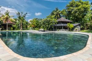 ZenRooms Kerobokan Umalas Klecung 2 Bali - Kolam Renang