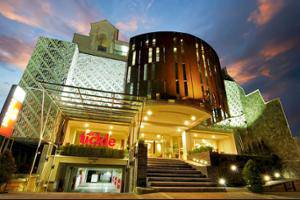 Tickle Hotel Yogyakarta - Featured Image