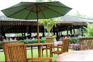 Hotel Manohara Magelang - Outdoor Dining