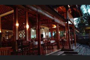 Starlight Restaurant & Bungalows Bali - Featured Image