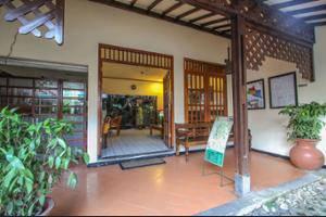 Delta Homestay Yogyakarta - Interior Entrance