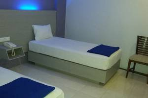 Hotel Kharisma 2 Madiun Madiun - Deluxe Room