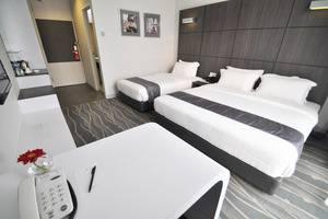 Dreamtel Hotel Jakarta - Executive Deluxe Triple