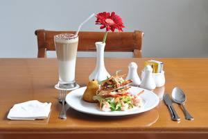 Dreamtel Hotel Jakarta - Food & Beverage
