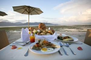 Hotel Ombak Paradise Lombok - Sarapan
