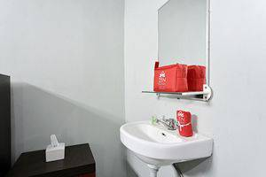 ZenRooms Godean Jogja - Kamar mandi
