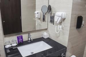 Tinggal Premium at Pondok Indah Jakarta - Kamar mandi