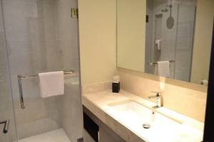 Premier Inn Surabaya� - Bathroom