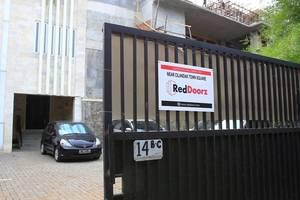 RedDoorz near Cilandak Town Square Jakarta - Eksterior